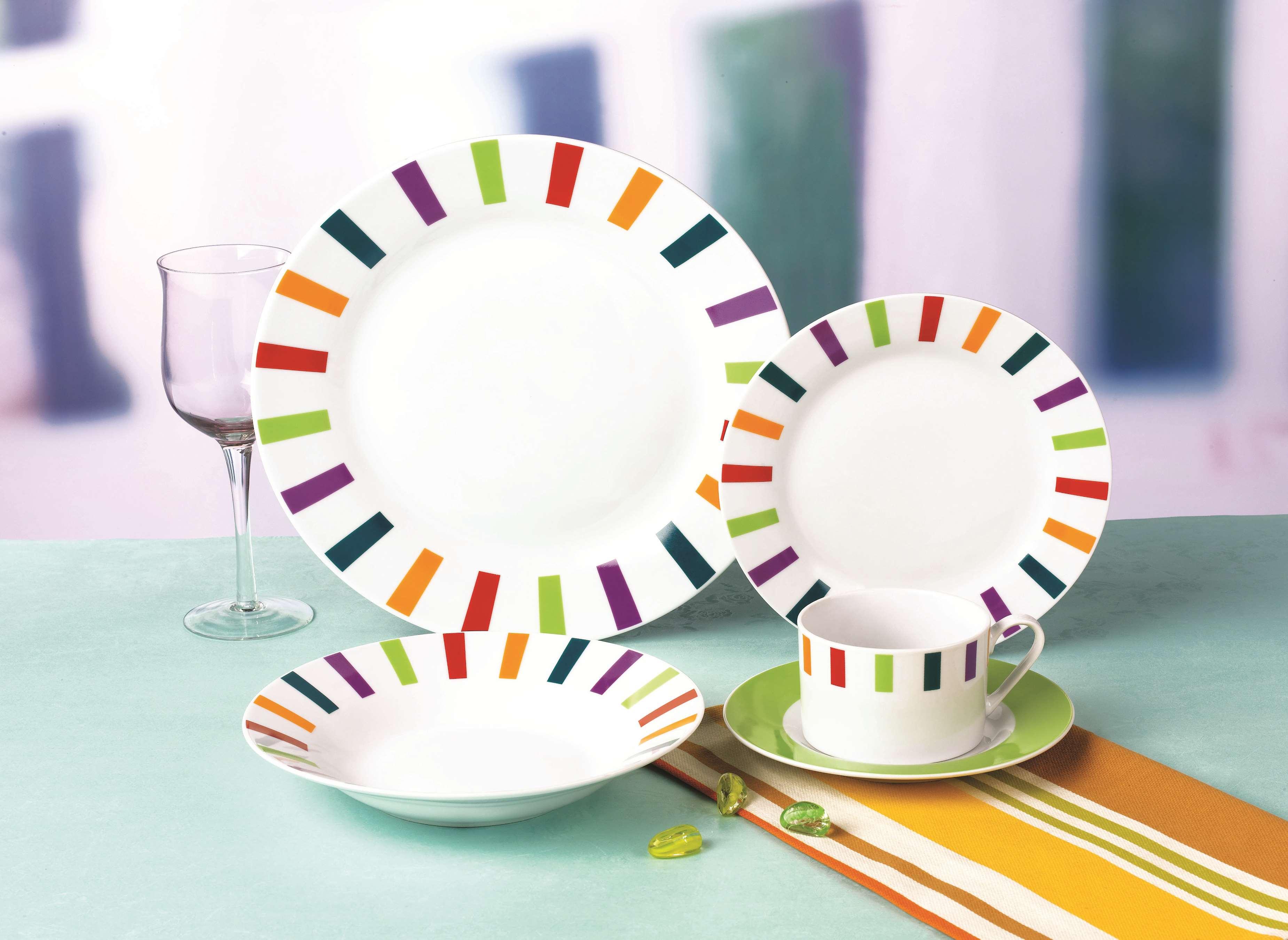 彩色方块陶瓷餐具