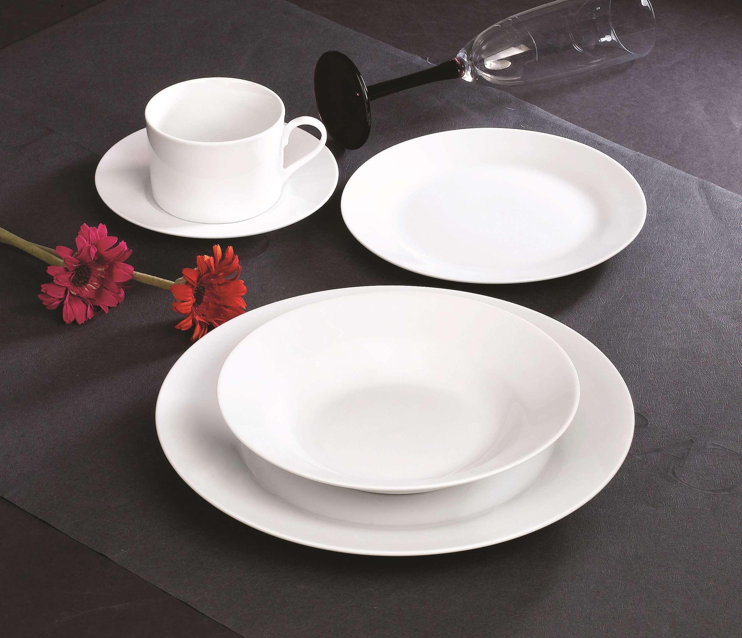 20头圆型白瓷餐具