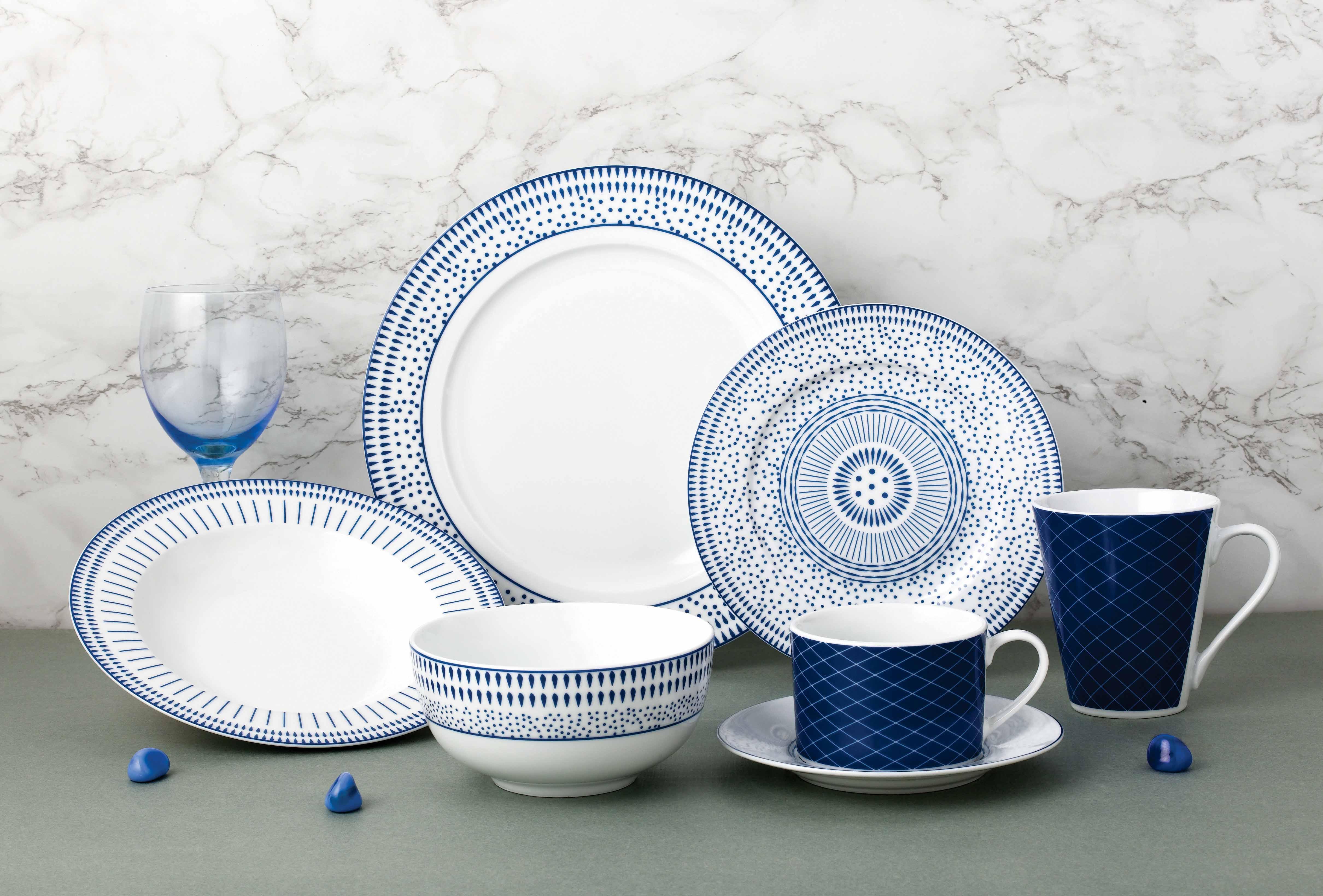 蓝色几何陶瓷餐具